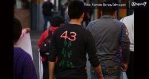 Padres de normalistas visitan Puebla y exigen no cerrar caso de Ayotzinapa