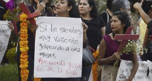 Protestan en UNAM por acoso sexual
