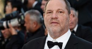 Weinstein se entrega a autoridades de Nueva York por abuso sexual