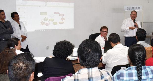Capacitan en contraloría social a 43 organizaciones civiles poblanas