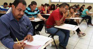 Diputados piden a gobierno de Puebla suspender evaluación docente