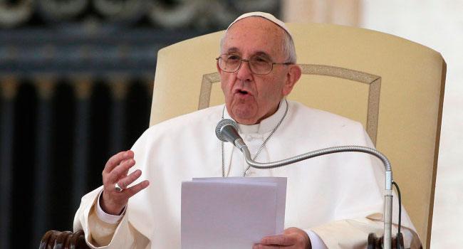 Papa acepta renuncia de 3 obispos chilenos por encubrir pederastia