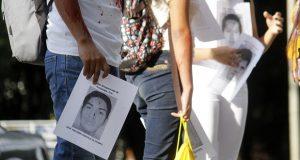 Presidente ofrece protección a quienes ayuden a resolver caso Iguala