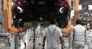 Audi reanudará producción en segundo turno tras bloqueos carreteros