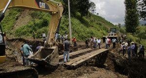 A un año de Earl, abandonan más de 20 obras carreteras en Puebla: CNPA