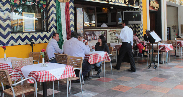 """Por """"boom"""" restaurantero, aumenta rotación de personal en Puebla: Canirac"""