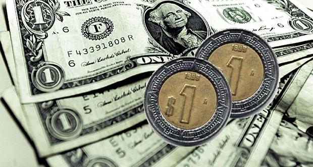 Dólar retrocede a 19.42; peso marca mejor nivel en 3 semanas