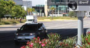 Con PRI en contra, Congreso local avala aplicar fotomultas a autos foráneos