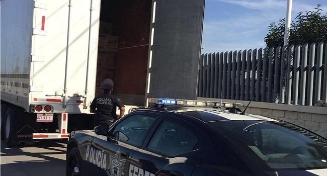 Policía Federal abate presunto ladrón de trailer en Tecamachalco