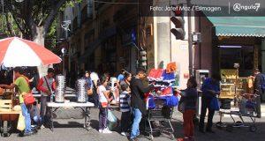 Ambulantes antorchistas invaden calles del Centro Histórico
