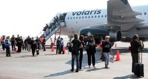 Desalojan vuelo 965 de Volaris en el AICM por amenaza de bomba