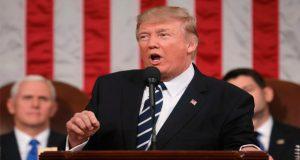 Por tercer mes consecutivo, popularidad de Trump baja