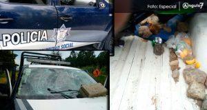 En Santa Rita Tlahuapan, pobladores lesionan a tres policias estatales