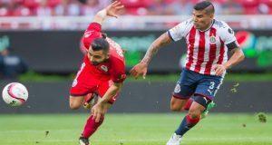 De visitante, Lobos le pega al campeón Chivas 2 goles a 1