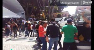 Poblanos acuden a dejar víveres al zócalo ante sismo de 7.1 grados