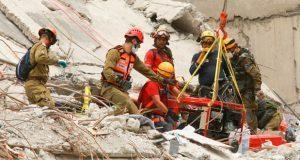 Podría haber hasta 50 personas atrapadas en escombros de CDMX