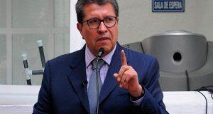 Monreal anuncia posible salida de Morena; AMLO le exige decisión