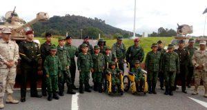 Nueve niños con cáncer se convierten en soldados por un día