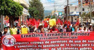 En Tehuacán, colonos exigen constancias de uso de suelo