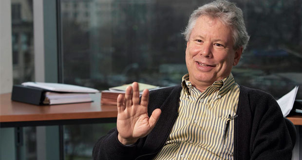 Richard Thaler gana Nobel de Economía por teoría del comportamiento