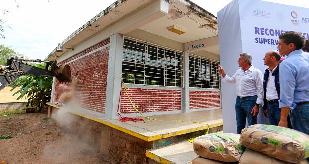 En Piaxtla, gobierno estatal reconstruye escuelas con 4.3 mdp. Foto: Especial