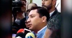Julión Álvarez acude a Seido por caso sobre lavado de dinero