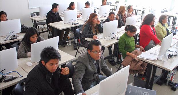 Participan más de 4 mil docentes poblanos en taller de desempeño