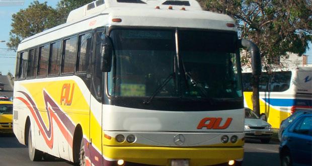 Conductor de autobús AU atropella y mata a mujer en Chapulco