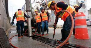 Ceaspue realiza mantenimiento en drenajes y alcantarillados