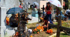Panteones de San Pedro Cholula recibieron a 10 mil visitantes
