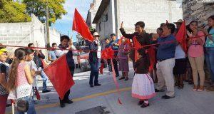 Inauguran pavimentación en calle de Tepexi de Rodríguez