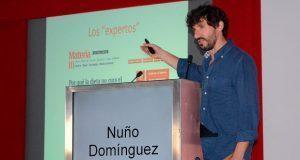 Periodista de ciencia de El País da ponencia en la BUAP