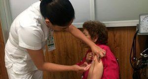 IMSS en Puebla aplica 111 mil vacunas contra influenza estacional