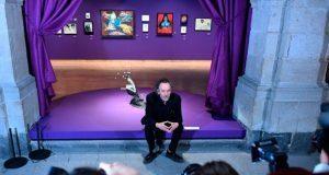 Tim Burton visita CDMX para afinar detalles de su exposición