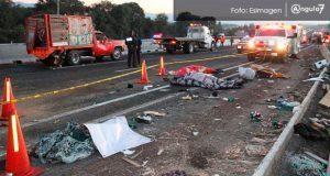 Tres accidentes viales causan la muerte de 13 peregrinos poblanos