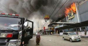 Incendio y tormenta tropical en Filipinas dejan más de 200 muertos