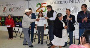 Sedesol invierte $630,000 en recursos para 180 artesanos poblanos