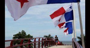 Por diferencias con Trump, renuncia embajador de EU en Panamá