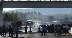 Ocho horas bloquearon pobladores de Tlahuapan la México-Puebla