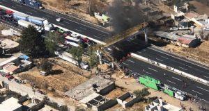 Pobladores de Tlahuapan bloquean la México-Puebla con barricadas