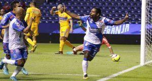 Abre torneo el Puebla con victoria de 2-1 ante el campeón Tigres