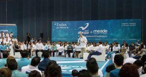 Ante militancia del Panal, Meade promete subir sueldo a maestros