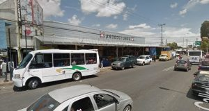 Este 19 de enero, inició el desvío del transporte público de 11 rutas que circulaban frente al mercado Hidalgo. Foto: Google maps