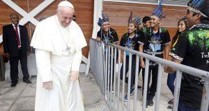 Papa denuncia opresión a indígenas en Perú por interés económico