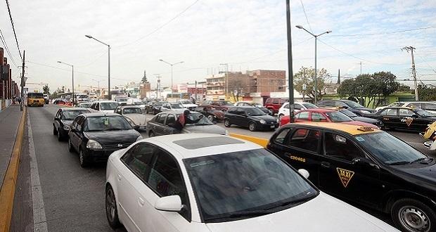 En Puebla capital, 25% de autos particulares circula sin placas vigentes