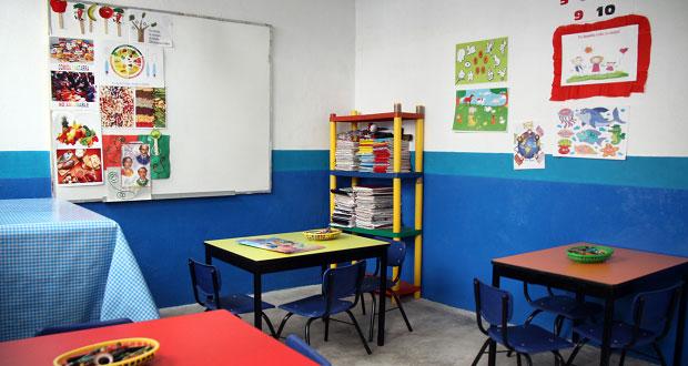 Maestra de kínder también es directora y descuida a alumnos, acusan