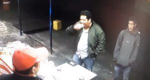 Cliente dispara contra vendedor de molotes en La Libertad