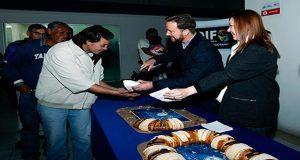 Banck y Angulo comparten Rosca de Reyes en dormitorio municipal