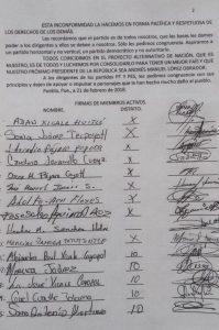 """Morena prefiere perfiles externos y """"conocidos"""": Adán Xicale"""