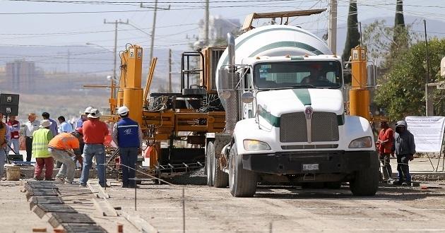 Reporta Gali avance del 35% en construcción del bulevar Carmelitas. Foto: Especial.